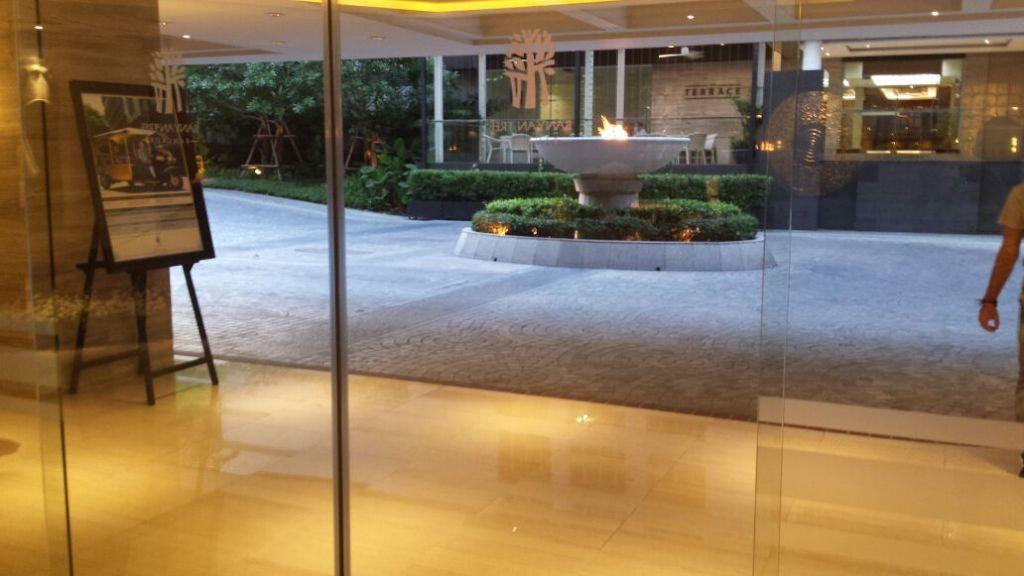 Hotel Lobby (Arrival)